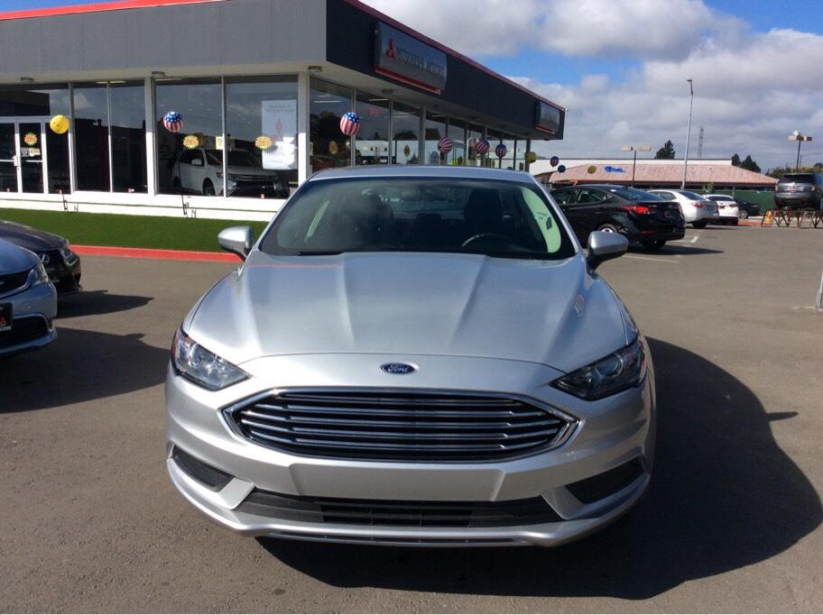 Pre Owned 2017 Ford Fusion Se Hybrid Sedan 4d