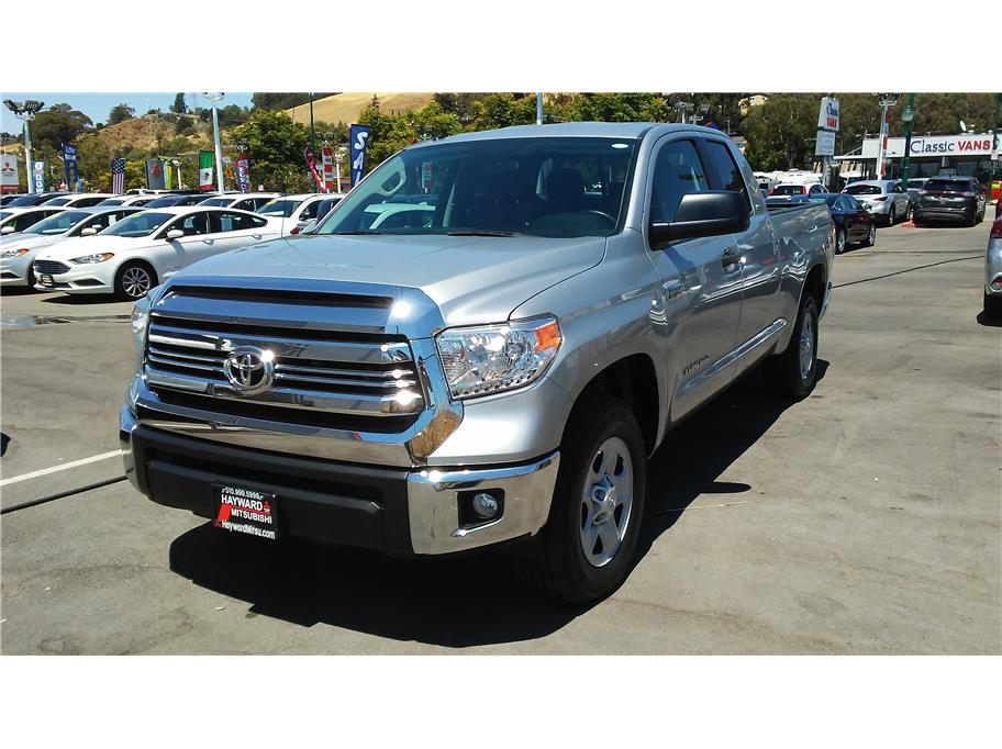pre-owned 2017 toyota tundra double cab sr5 pickup 4d 6 1/2 ft